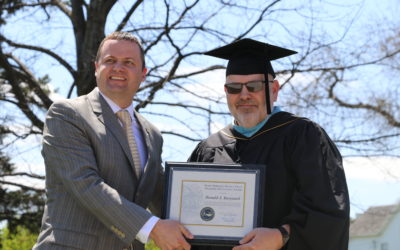 Professor Don Buryanek receives SNB's Teaching Excellence Award